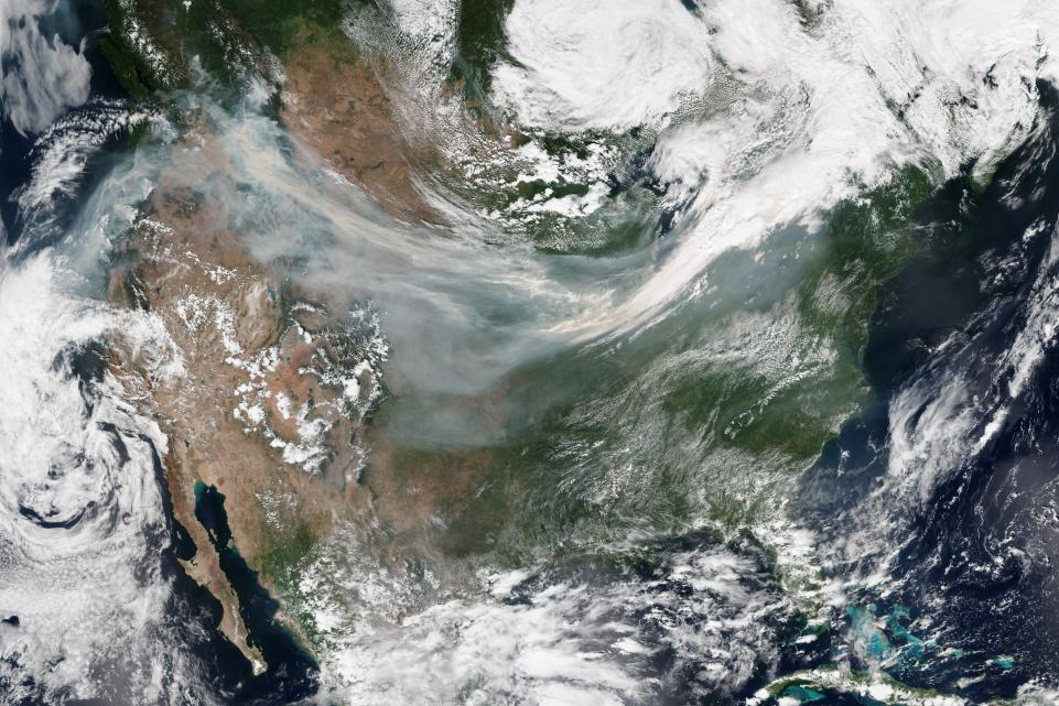 Smoke from Wildfires Covers Much on the US -Sept 6, 2017