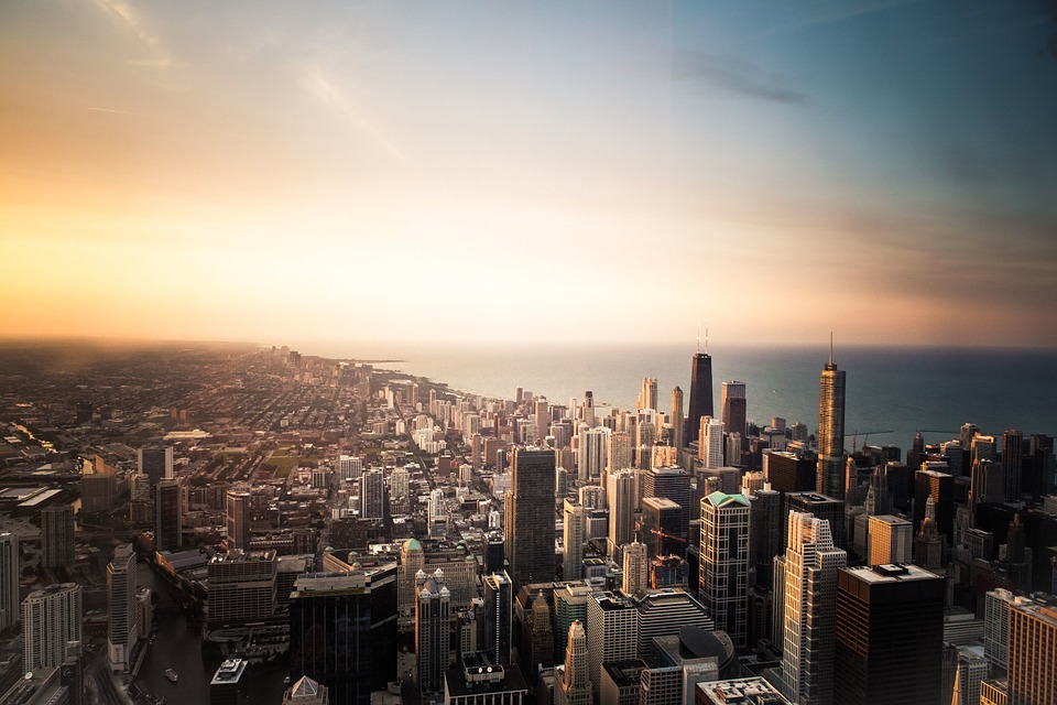 https://cdn2.hubspot.net/hubfs/604407/blog-files/Chicago_cityscape.jpg