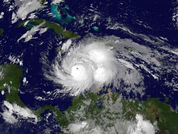 http://cdn2.hubspot.net/hubfs/604407/blog-files/hurricane_matthew_sat.jpeg