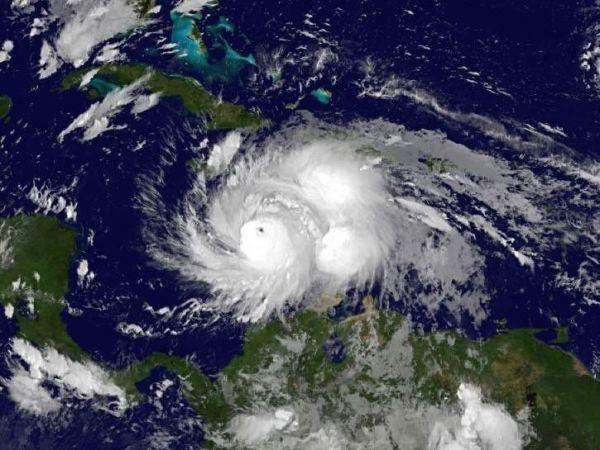 http://cdn2.hubspot.net/hubfs/604407/blog-files/hurricane_matthew_sat.jpeg