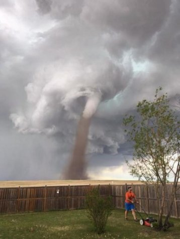 https://cdn2.hubspot.net/hubfs/604407/blog-files/lawnmower_tornado.jpg